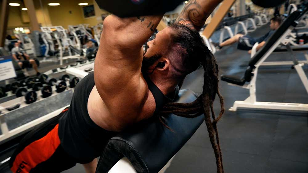 Incline triceps skull crushers